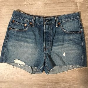 NWOT Levi 501 denim shorts